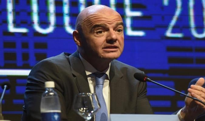 La UEFA no está de acuerdo con la propuesta / Foto AP