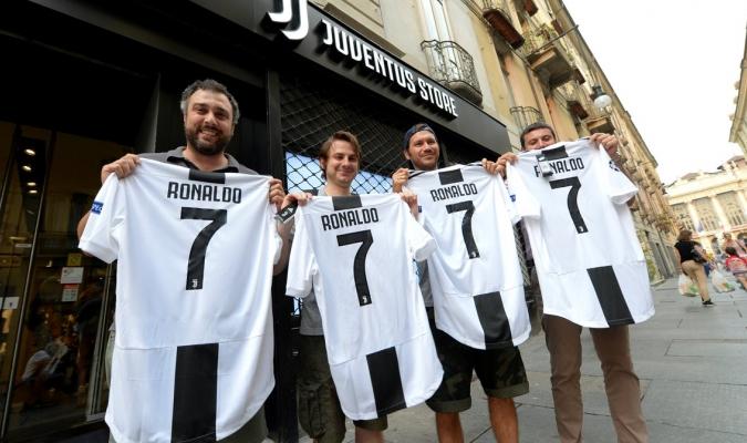 La tienda digital del Juventus colapso por petición camisetas de CR7 ... d4e22d7e69c74