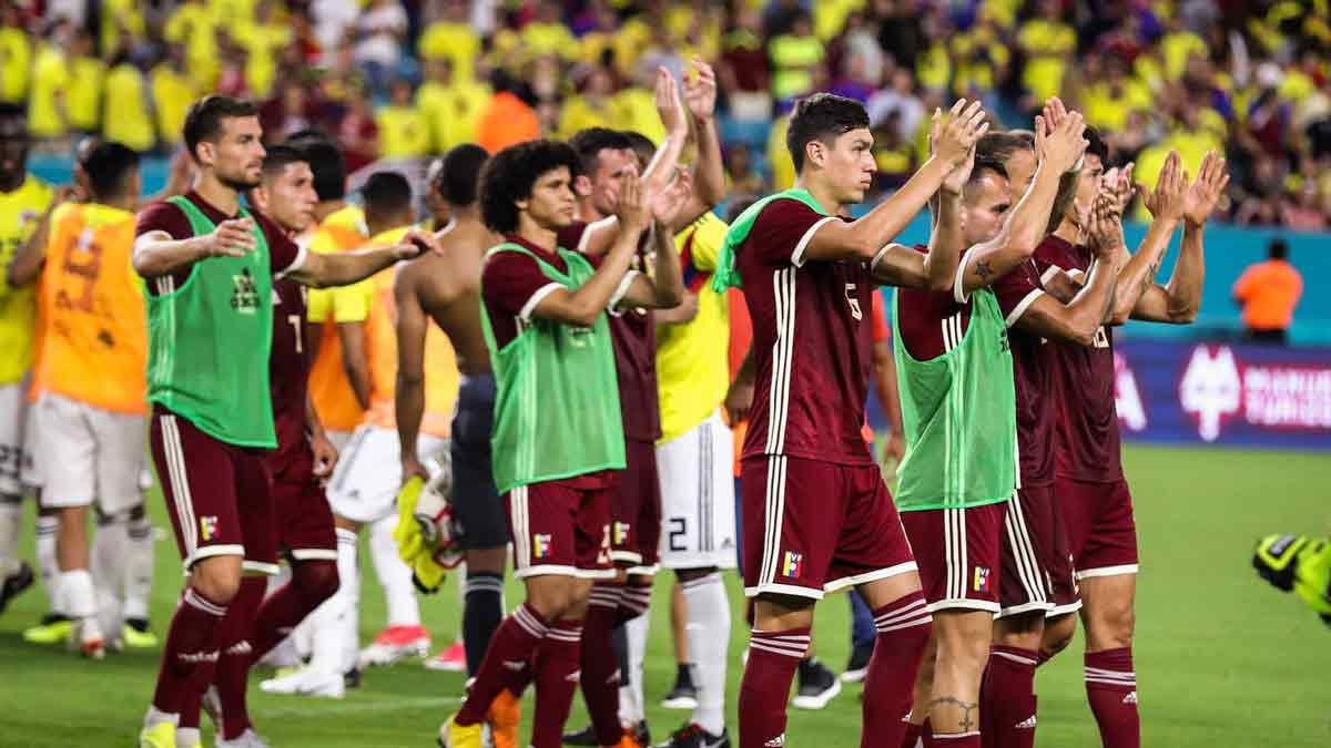 Cayeron 2-1 ante Colombia || Foto: Twitter (@SeleVinotinto)