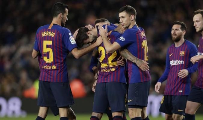 Piqué celebró con sus compañeros || Foto: AP