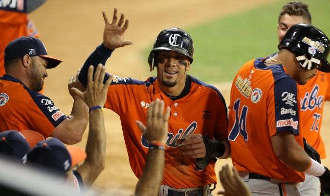 Anzoátegui vino de atras para sentenciar en 10 inning  | Foto: AVN