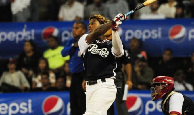 Acuña tuvo un buen papel en el Jonrón Pepsi/ Foto David Urdaneta