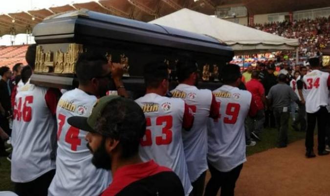 En el estadio Antonio Herrera se llevó a cabo un homenaje para ambos peloteros