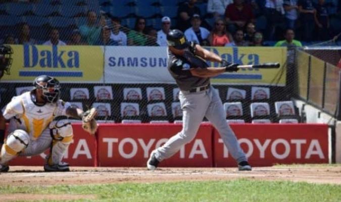 Los Leones dominan la serie 4-2/ Foto @Magallanes_bbc