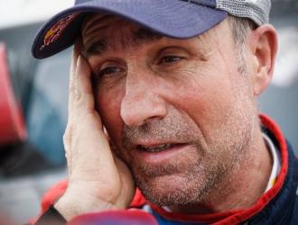 El francés tuvo que retirar por lesión de su copiloto / Foto: Cortesía (@dakar)