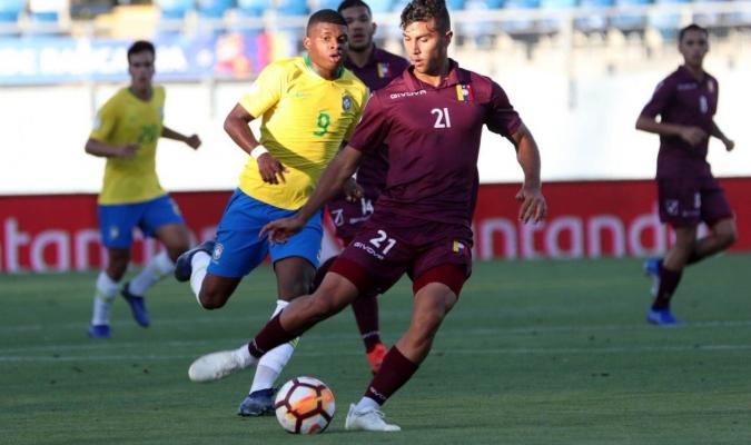 Samuel Sosa anotó el único tanto venezolano sobre el descuento | Foto: EFE