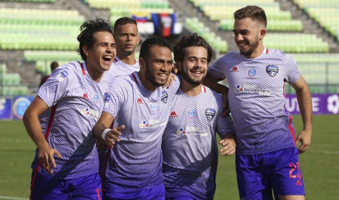 Antón marcó doblete y guió la victoria del violeta | Foto: @Metropolitanos_