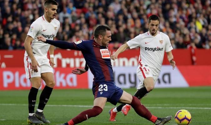 Sevilla sumó un valioso empate con 10 hombres | Foto: EFE