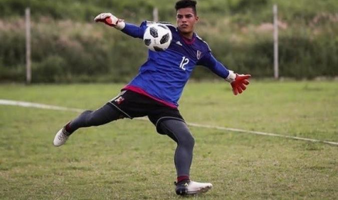 El golero juvenil espera ser como su padre | Foto: @Trufc