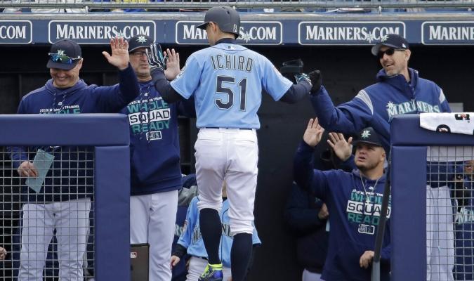 Ichiro se volvió a uniformar a sus 45 años  02fb074d490