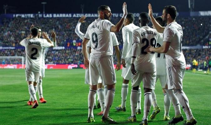 Dos penaltis con VAR dan la victoria al Madrid sobre el Levante 99e2eeb6814