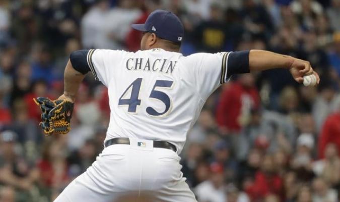 Peloteros como Chacín, Altuve o Andrus se lucieron en lo que fue el inicio de la campaña en la MLB/ Fotos AP