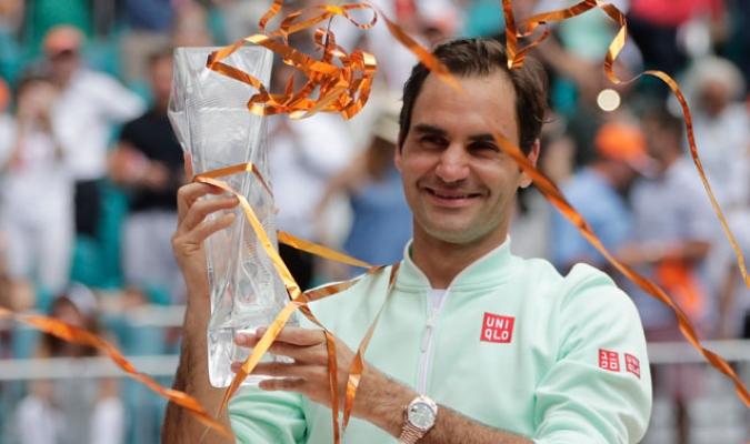 El suizo obtuvo su cuarto trofeo en Miami y el número 101 de toda su carrera/ Fotos AP
