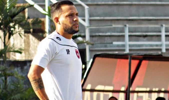 El entrenador ya está listo para la acción || Foto: Cortesía