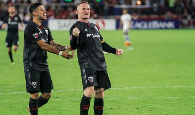 El volante es compañero de Wayne Rooney || Foto: Cortesía