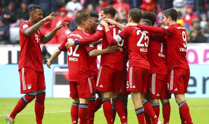 Bayern ganó y aprovechó el resbalón del Dortmund | Foto: AP