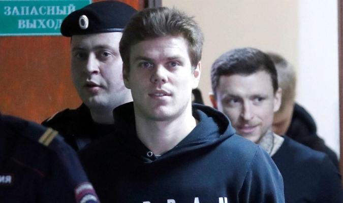 Condenan a año y medio de cárcel a jugadores rusos