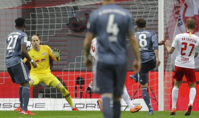 El VAR anuló un gol de Goretzka / Foto: AP