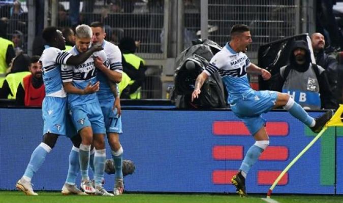Savic y Correa le dieron el título a la Lazio | Foto: AP