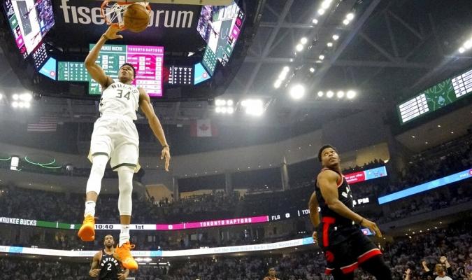 Bucks picaron adelante en la final del Este | Foto: AP