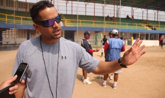 Los escuales presentaron a Fernando Veracierto como gerente general | Foto: @tiburones_net