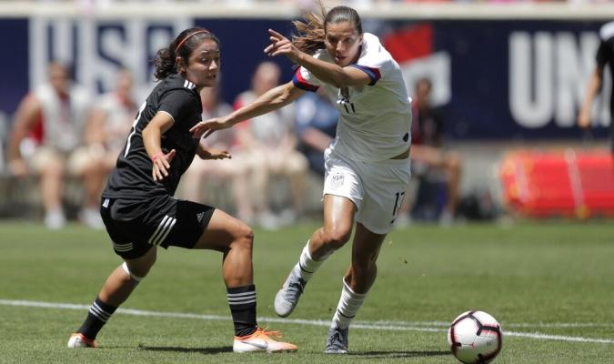 Las estadounidense empezaron con buen pie el torneo // Foto: AP
