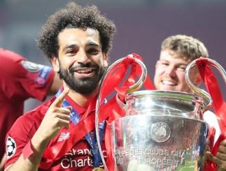 Salah se mostró orgulloso tras obtener la orejona | Foto: EFE