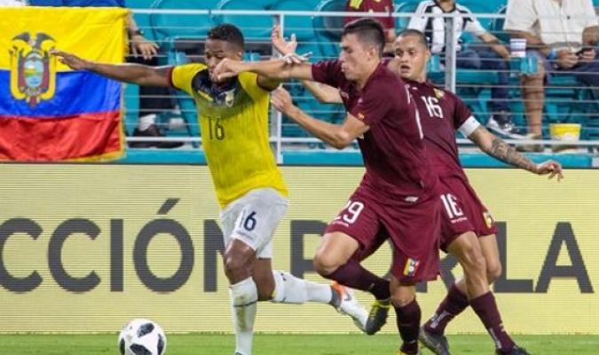 Rosales marcó desde el punto penal | Foto: EFE