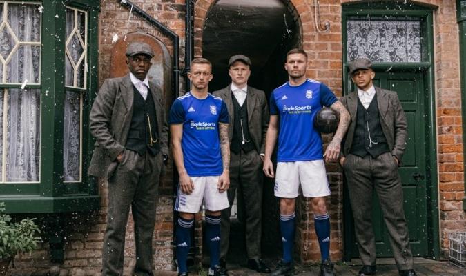 Birmingham presentó su camiseta de formal original / Foto: Cortesía (@BCFC)