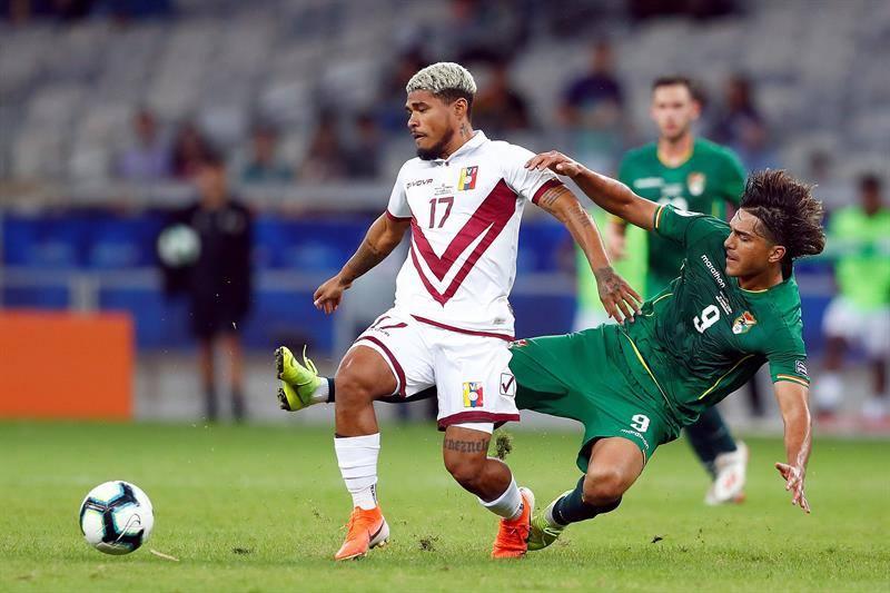 Josef marcó el tercero del partido / Foto: EFE