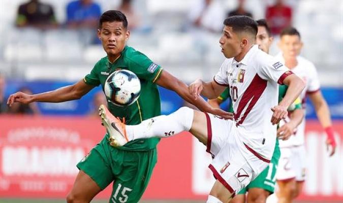 Savarino jugó dos partidos como titular | Foto: EFE