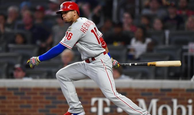 Hernández llegó a 100 dobles en la MLB | Foto: AP