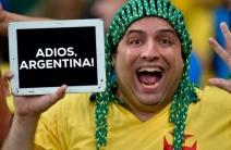 Los mejores memes del partido Brasil - Argentina