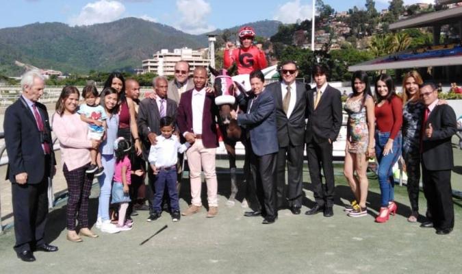 Yánez sigue siendo dominante en Coche // Foto: Cortesía