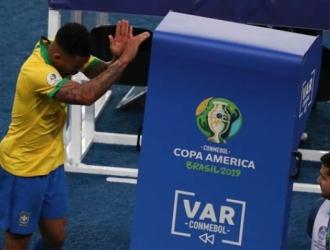 El VAR centró muchas críticas/ Foto AP