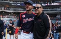 ¡Cracks! Daddy Yankee posó con los jugadores venezolanos