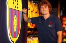 ¡Bienvenido! Antoine Griezmann ya posó con la camiseta del Barcelona