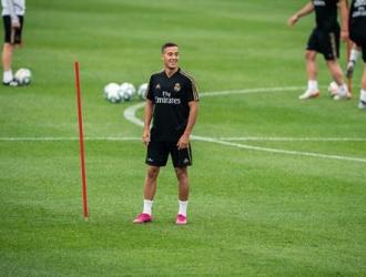 Vázquez mostró un buen swing posterior al entrenamiento del Madrid | Foto: EFE