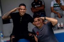 Edwuin Pernía visitó la plantilla del Caracas en Ecuador