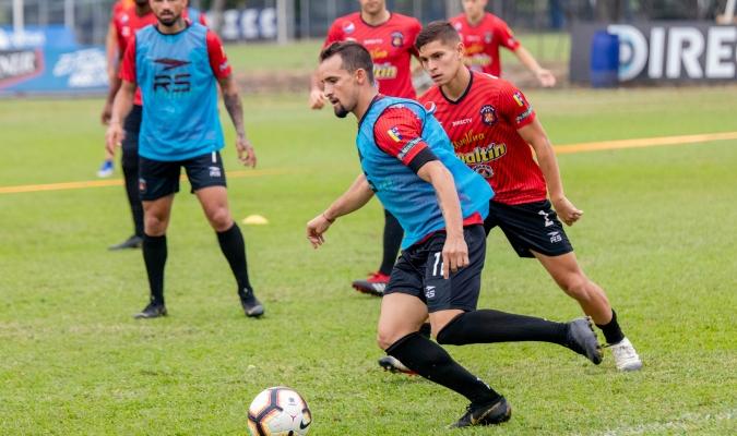 Hernánez comanda el ataque rojo | Foto: Prensa Caracas FC