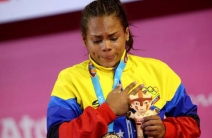 ¡Primera de oro! Génesis Rodríguez alzó su presea dorada