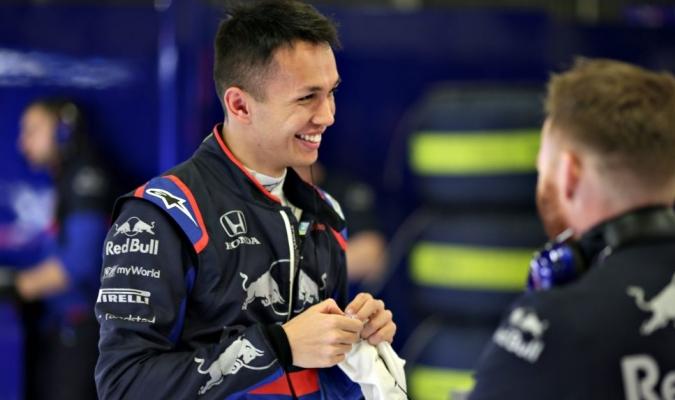 Albon correrá con Verstappen en Red Bull /  Foto: Cortesía