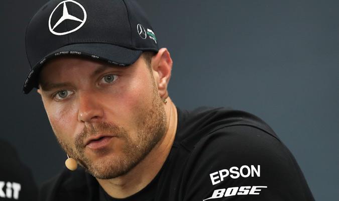 Suma 10 pole positions con Mercedes / Foto: AP