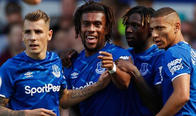 Richarlison e Iwobi sellaron el triunfo del Everton/ Foto AP