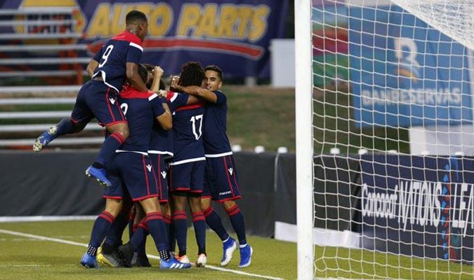 Los dominicanos festejan el gol del triunfo / Foto: Cortesía
