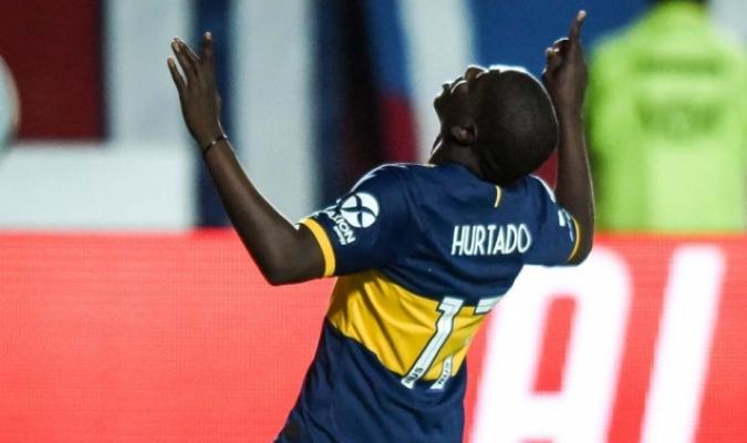 Hurtado festeja su primer tanto con la camiseta de Boca / Foto: Twitter (@TyCSports)
