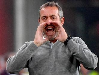 Giampaolo da instrucciones durante un partido de la Serie A / Foto: AP