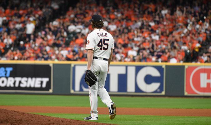 Cole lideró la Americana en efectividad y ponches en la zafra / Foto: AP