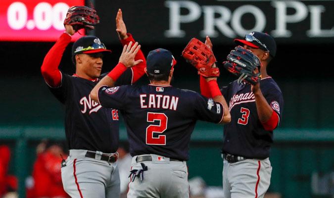 Soto, Eaton y Taylor festejan la victoria / Foto: AP