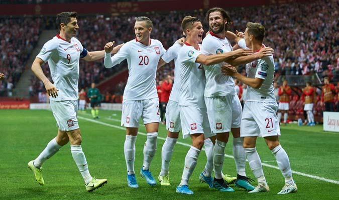 Los polacos festejan el gol de la victoria / Foto: Cortesía